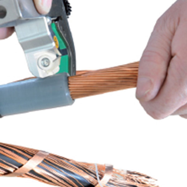 outillage electricien denude cable UFS Intercable